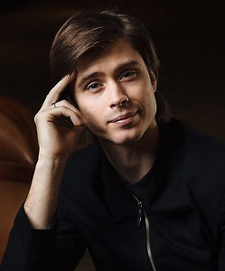 Артём Овчаренко